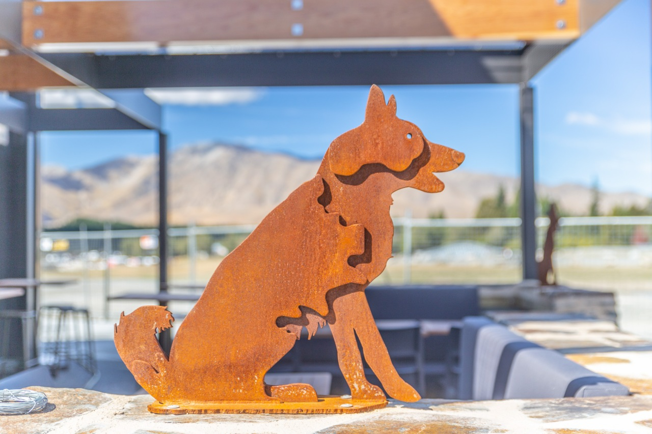 Our Dog Friday dog statue Tekapo
